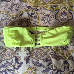 Bandeau top VS in neon yellow